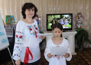 """Мальовничі хвилинки """"Українські вишиванки-наче райдуги світанки"""""""